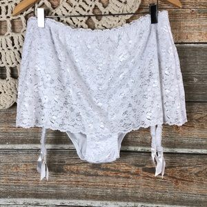 Sexy 🔥 Size 42 18/20 22/24 Lacy Garter Panty